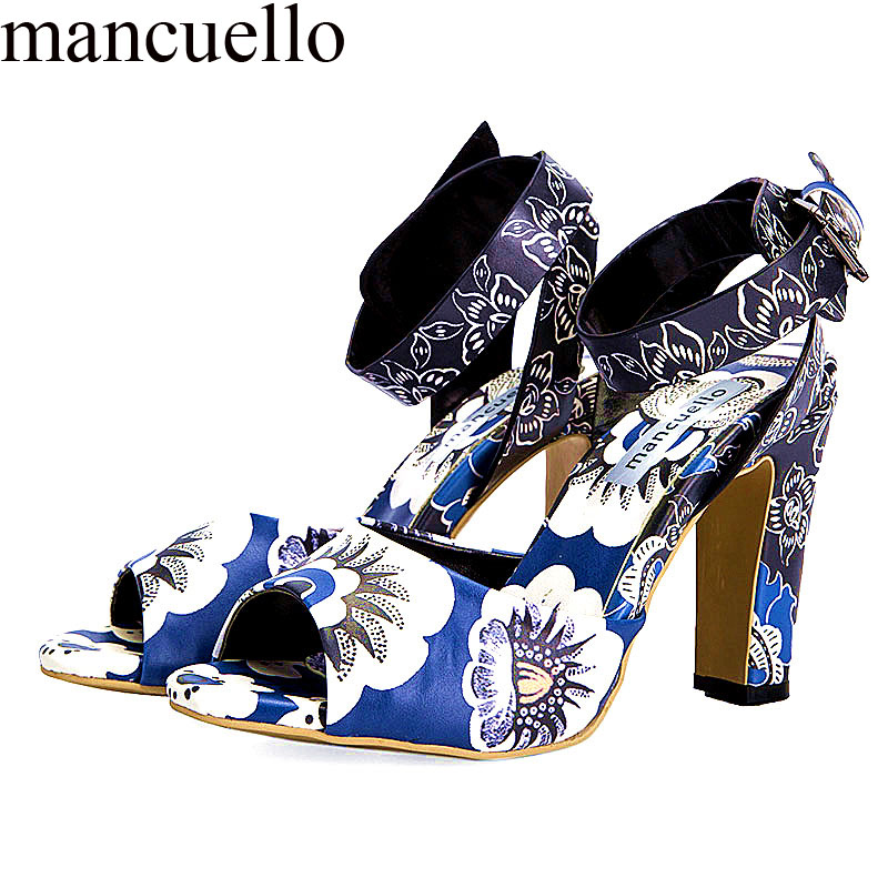 2017 Ladies Summer Ankl-Strap Laser Printed Porcelain Blue Flowers Chunky Heel Sandals Women Cut out Party Dress Sandal Shoes