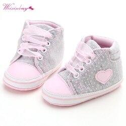 Для маленьких девочек Классическая Повседневная обувь для новорожденных в горошек для маленьких девочек осенние на шнуровке первые ходоки...