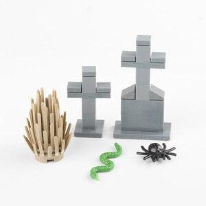 Image 4 - MOC Costruzione Blocchi di Luce di Via Cimitero Accessorio City Parti di Mattoni Cimitero Animale Serpente Bat Erba Rosa Pianta di Halloween D033