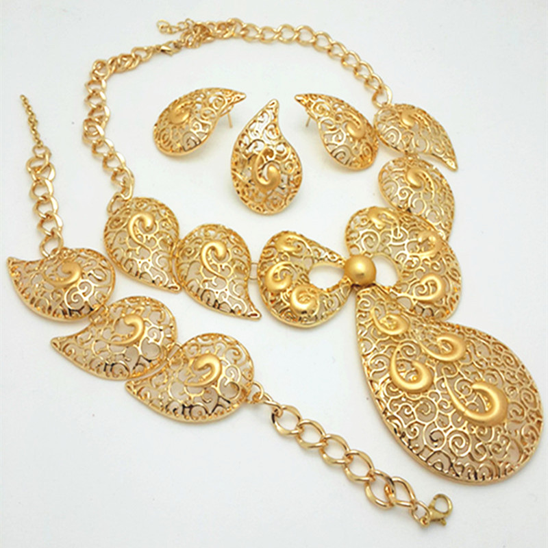 big gold necklace set images