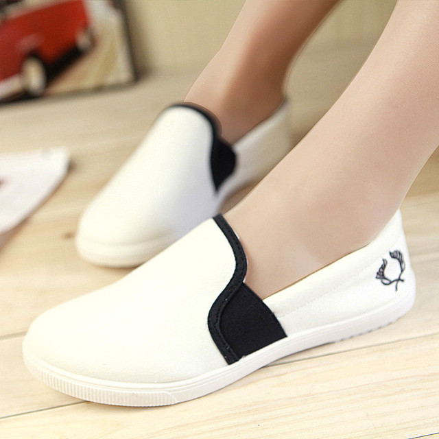 Women Casual Shoes High Quality Breathable 3 Color Solid Shoes Fashion Comfortable Canvas Shoes Women Flats 2016 New Plus Size 9