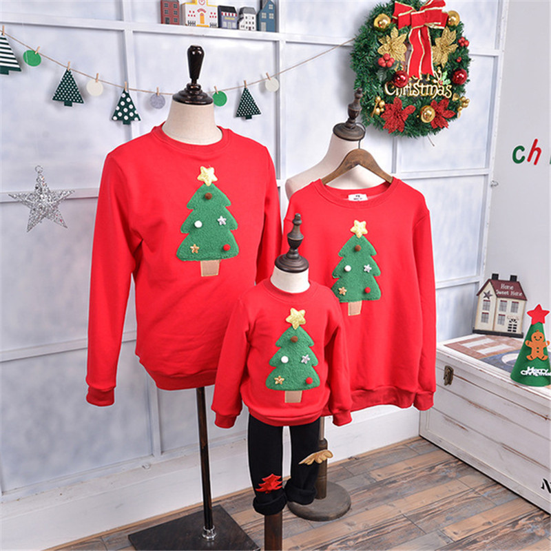 Family Matching Outfits new 2018 Winter Christmas Sweater Cute Deer Children Clothing Kid T shirt Merry Christmas Family Clothes