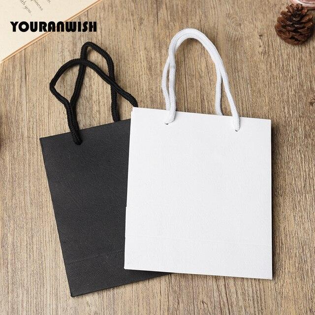 20 יח\חבילה לבן שחור באיכות גבוהה פשוט נייר שקית מתנת נייר סוכריות קופסא עם ידית חתונת מסיבת יום הולדת מתנה חבילה ב
