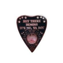 Hey's demons it's me ya broche de chico encanto ouija pin witchy insignia pagana gótico joyería de adivinación