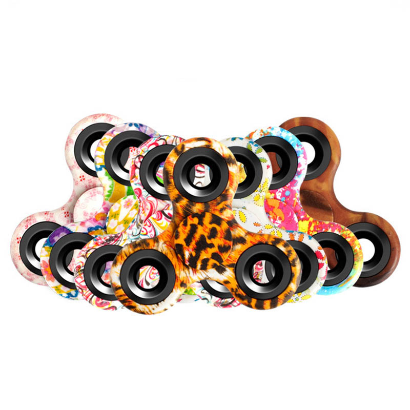 New color gyro trip fingertips gyro bat pattern Hand Spinner decompression creative EDC toy finger interscrew