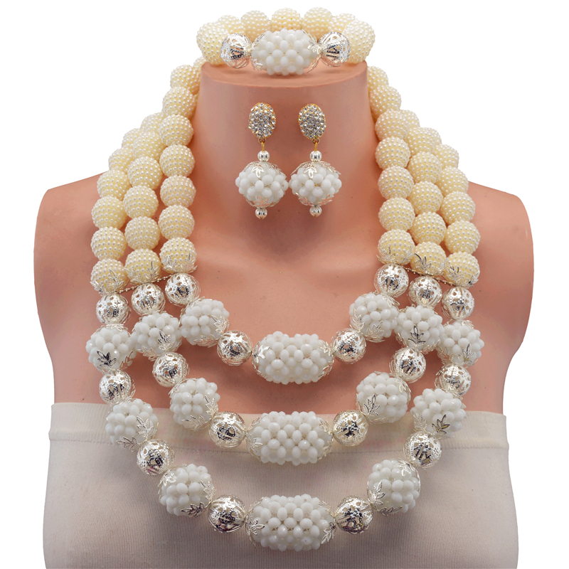 2017 Chunky Branelli di Corallo Africani Jewelry Set Bianco Nigeriano di Nozze Beads Africani Bridal Jewelry Set Spedizione Gratuita
