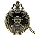 De Bronze do vintage Do Crânio Do Pirata One Piece Anime Relógio de Bolso de Quartzo Cadeia Colar Melhor Presente Para As Crianças dos homens