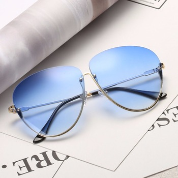 Rimless Cat Eye Women Sunglasses Transparent Fashion Brand Designer Sunglasses Lady Clearly Large Metal Frame UV400 2