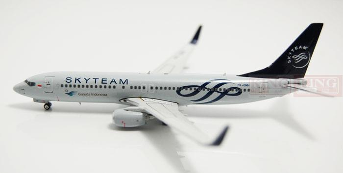 Phoenix 10968 Indonesian airlines SkyTeam No. 1:400 B737-800/w commercial jetliners plane model hobby  phoenix 11093 ruian airlines ei fei 1 400 b737 800 w commercial jetliners plane model hobby