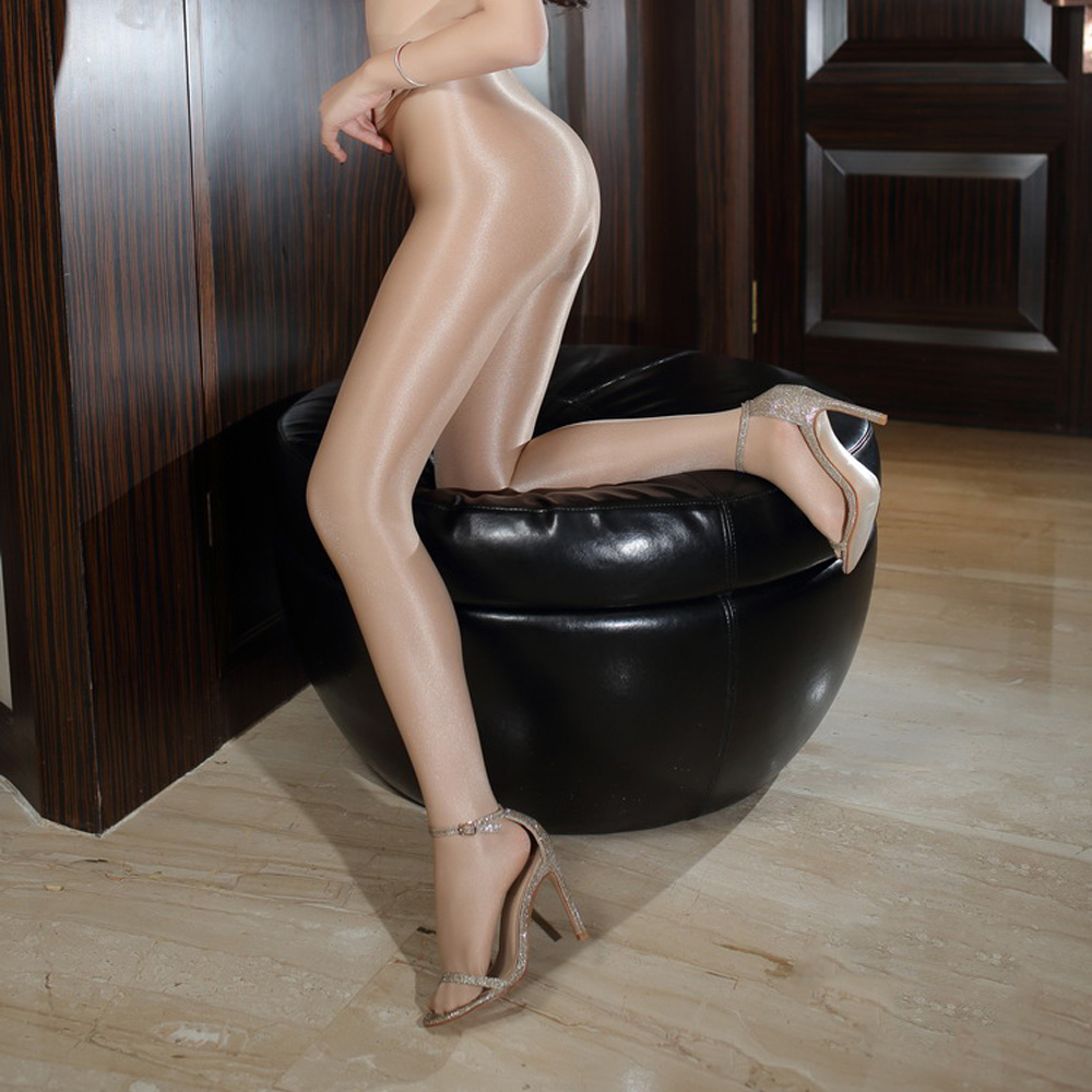 Peeing through pantyhose tube
