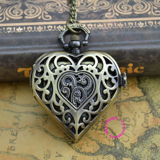 Wholesale Buyer Price Good Quality New Chain Classic Vintage Bronze Hollow Out Heart Pocket Watch Hour Clock Necklace