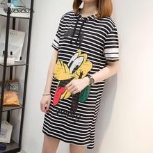цена Summer Plus Size Dress Fashion Loose Streetwear Cute Cartoon Striped Hoooded Dresses Casual Goofy Print Women Dress XL-5XL 2019 онлайн в 2017 году