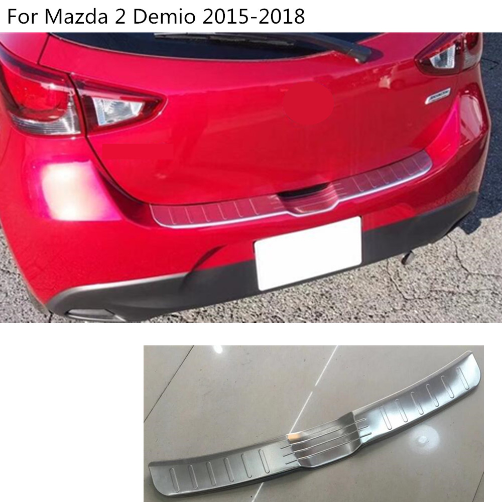 car external rear outside bumper Protect trunk trim cover Stainless Steel plate pedal 1pcs For Mazda 2 Demio 2015 2016 2017 2018 stainless steel rear bumper guard pedal for mazda 6 atenza 2016 2017 tread plate car styling rear protective pedal guard