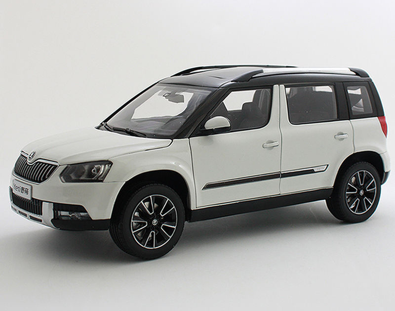 1:18 Diecast Model for Skoda Yeti 2015 White SUV Alloy Toy Car Collection Gifts  gifts original 1 18 m ni champs 2015 turbo s alloy car models collection