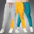 2017 nova marca de moda crianças meninos calças carta de impressão de algodão calças crianças sport calças casual roupa dos miúdos azul amarelo cinza
