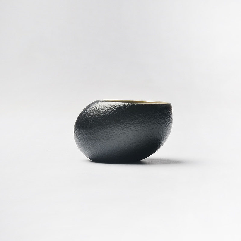 Handmade Japanese Black Zen Pottery Glaze Stone Teacup Coarse Ceramic Pottery Tea Bowl Kung Fu Tea Set Puer Oolong Tea Cup 50ml