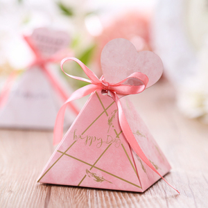 Image 4 - Free shipping 50pcs Creative Candy Box Baby Shower Favors Triangular Pyramid Wedding Favors Gifts Box Bomboniera Party Supplies