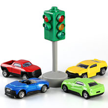[Best] 5pcs/set Family traffic safety education toy traffic lights car toy collection model red green light lamp kids baby gift(China)