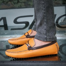 цена на 2019 Summer Style Soft Moccasins Men Loafers Cow Suede Leather Shoes Men Flats Gommino Driving Shoes Size 39-44