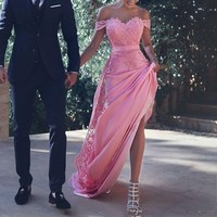 Chic Evening Dresses 2018 Off Shoulder Lace Applique Zipper Back Maid of Honor Dress Long Sweep Prom Formal Gowns robe de soiree