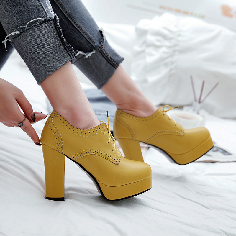 3d54d935b8e YMECHIC 2018 Vintage Brogue Lace Up Gladiator Platform Chunky Block High  Heels Shoes Woman Beige Yellow Black Casual Pumps Lady-in Women s Pumps  from Shoes ...