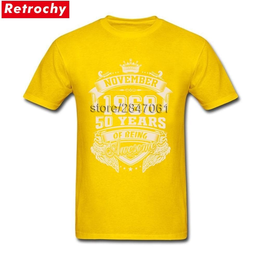 2621c323d1b40 Nascido em 1968 De Novembro de 50 Anos de Ser Impressionante T Shirt Dos  Homens do Estilo Retro de Manga Curta O neck Camisetas Valentim Apresenta  em ...