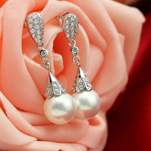 Teardrop Pearl Bridal Earrings For Women