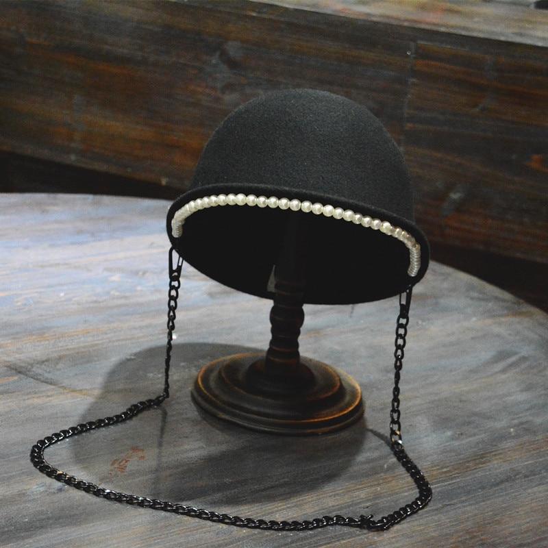 01808-FW119021 winter fashion Pearl decoration LADY warm Long chain visors cap women leisure British elegant hat