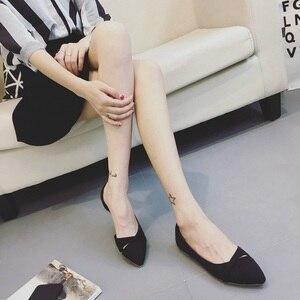 Image 4 - BEYARNEWoman/простая прогулочная обувь без застежки на каблуке; Модная обувь из флока с закрытым носком; Zapatos; Большие Size35 46E740