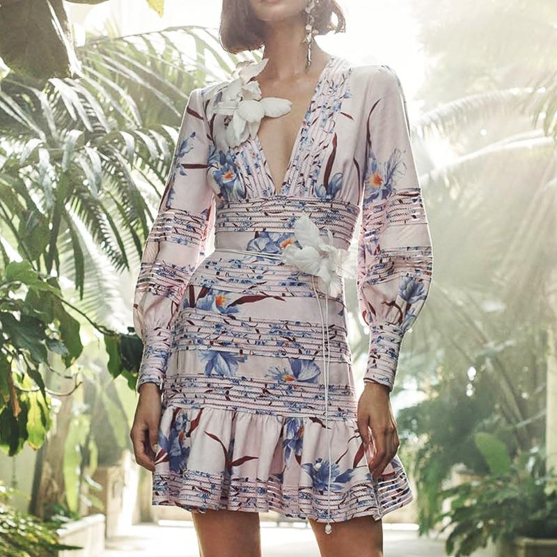 2019 Tide marque Catwalk nouveau bleu soie à manches longues col en v sac hanche courte robe Sexy creux coton court femmes robe