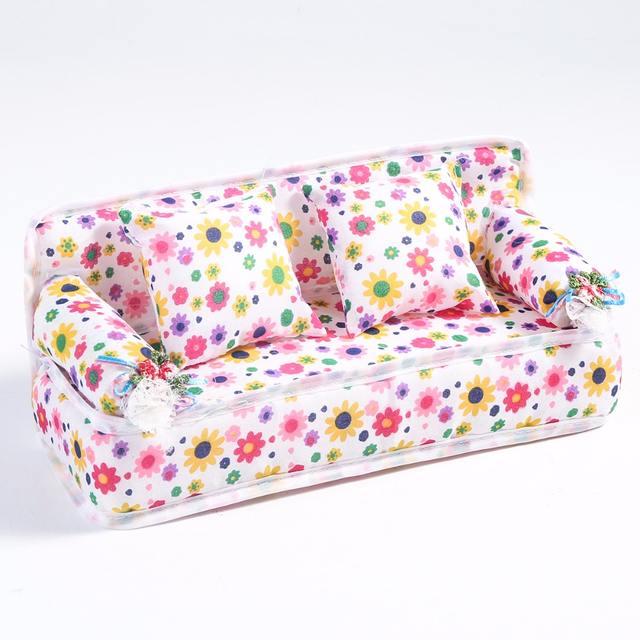Muebles para habitación de casa de muñecas