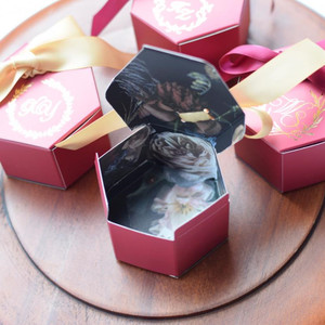 Image 5 - Customized Wine Red Creative Marbling Style Candy Boxes Wedding Favors Decoration Party Supplies Baby Paper Gift Box DIY Logo