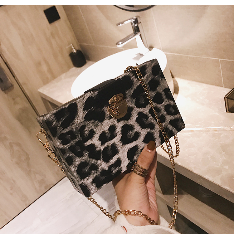 Bolsa Box Clutch estampa Animal Print
