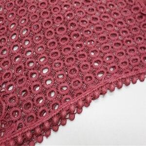 Image 5 - Di alta qualità di stampa del fiore del merletto di modo sciarpa morbida viscosa di cotone della Sciarpa dello scialle Musulmano hijab sciarpa indipendenza imballaggio 10 pz/lotto