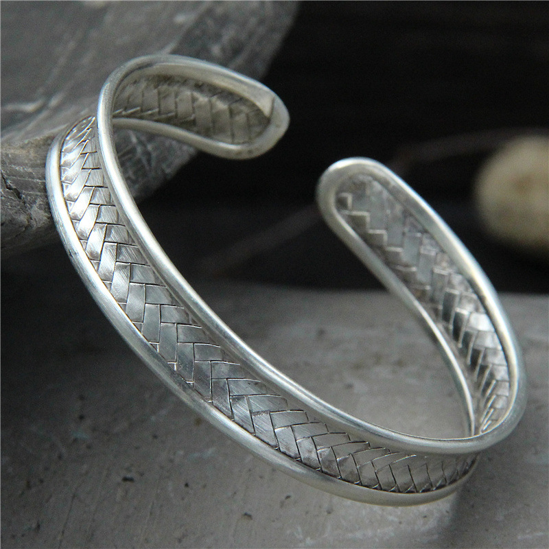 Retro Thai Silver Fashion Jewelry Chiang Mai Handmade S925 Sterling Silver Male And Female Open Ended BangleRetro Thai Silver Fashion Jewelry Chiang Mai Handmade S925 Sterling Silver Male And Female Open Ended Bangle