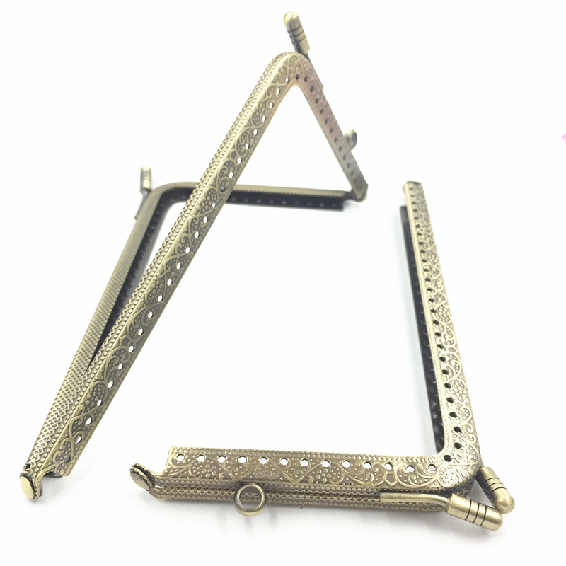 1Pc DIY Bronze Tone Metal Frame Delicate Purse L Shape Beautiful Flower Pattern Sewing Hole Lock Luggage&Purse Accessories 15CM