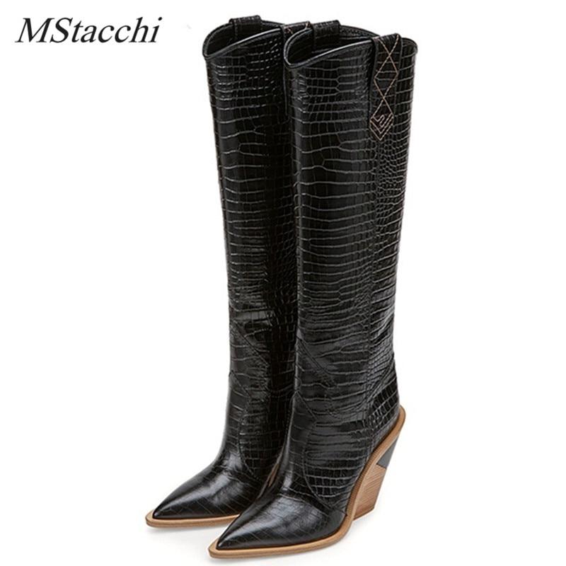MStacchi marki tłoczone Runway buty kobieta buty do kolan Pointed Toe zachodniej Cowboy buty Chunky klinowe Slip On Snakeskin buty w Kozaki do kolan od Buty na  Grupa 1