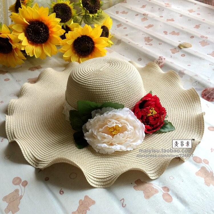 f079a39a1 Elegancki fioletowy kwiaty piwonii kapelusz słońce Sombreros kobiety  oryginalny węzeł Floral plaża kapelusze słomkowe czeski Floppy szerokim  rondem kapelusz ...
