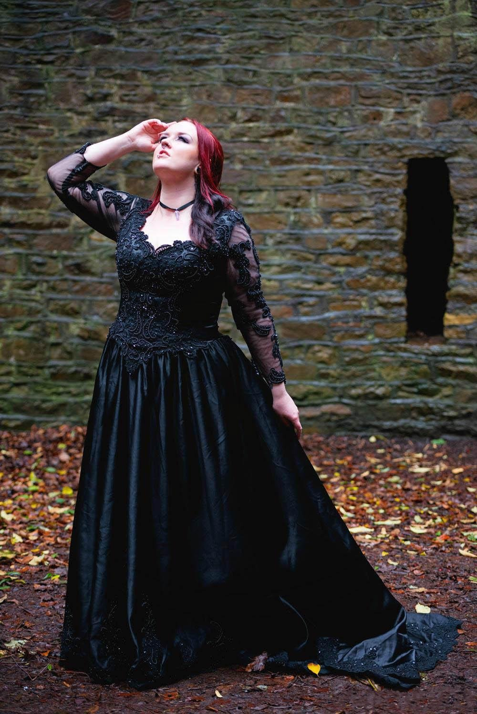 Popular Plus Size Gothic Wedding Dresses-Buy Cheap Plus Size ...