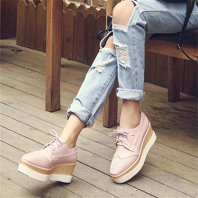 2017 Más El Tamaño 34-43 Venta Caliente Para Mujer de Charol Punta Redonda Zapatos de la plataforma Lace up Brogue Zapatos Casual Encaje de Moda Nudo Zapato
