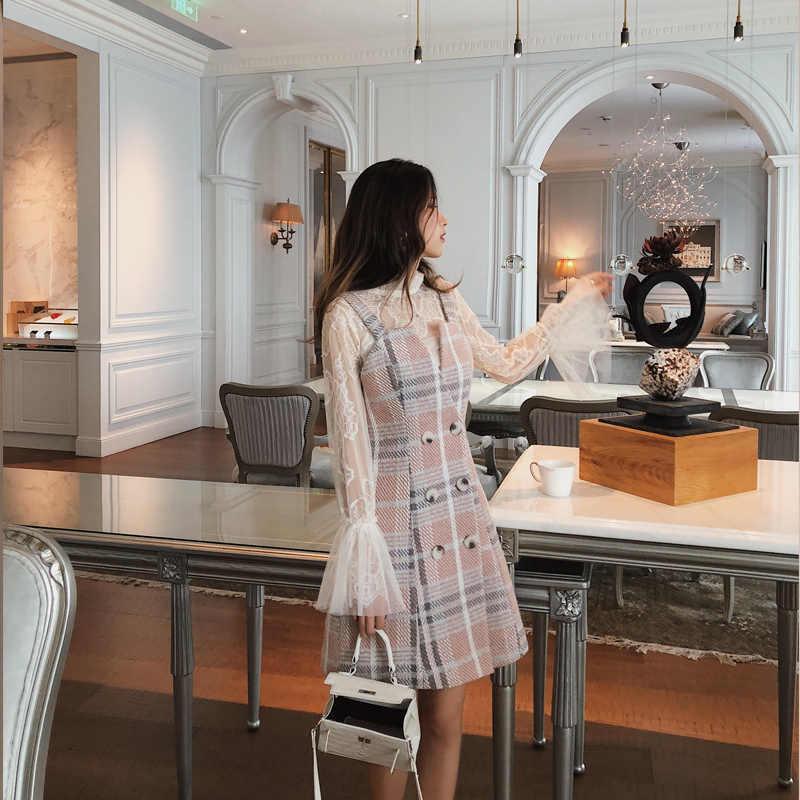 Mishow Осенне- зимнее теплое романтичное приталенное  платье в клетку с высоким воротником Новая коллекция 2019 Состав : шерсть полиэстер