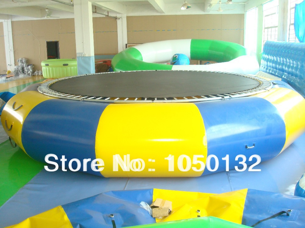 exciting water jumping trampoline with strong springs