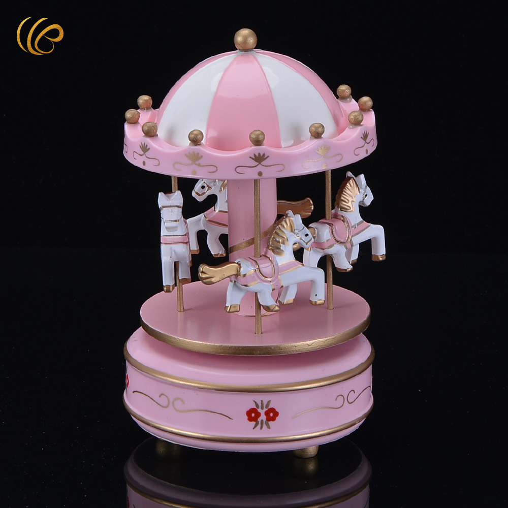 Wooden craft boxes to decorate - Dream Pink Wooden Merry Go Round 4 Horses Music Box Desktop Home Decoration Wooden Craft Creative Lover Birthday Gift