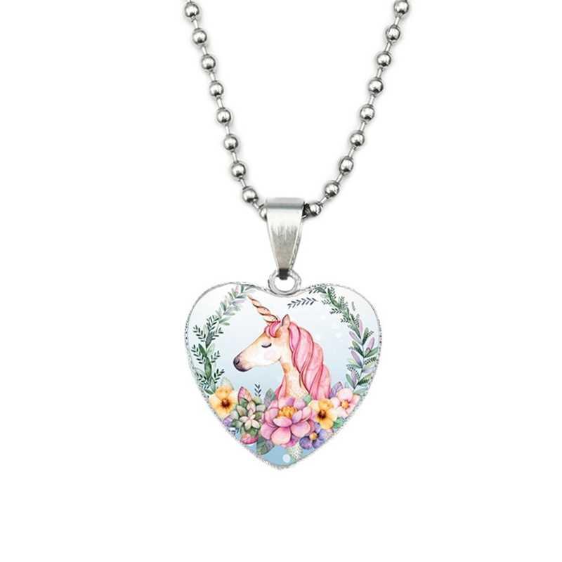 かわいい河合ユニコーンガラスカボション Neckaces 女性漫画ピンク馬ハートペンダントネックレス愛のギフトのため