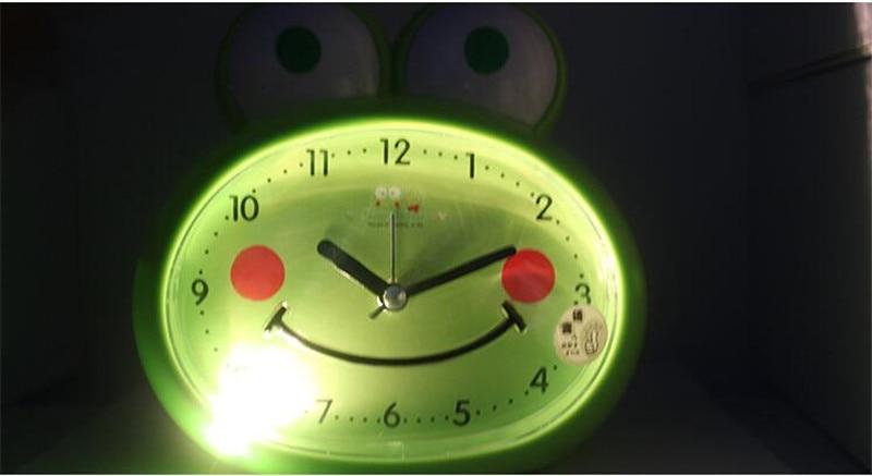 Wekker Met Licht : Cartoon bee model tafel klokken mute despertador met licht speaker