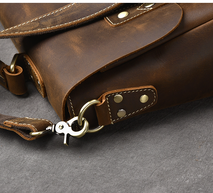 Luxury Leather Shoulder Bag buckle