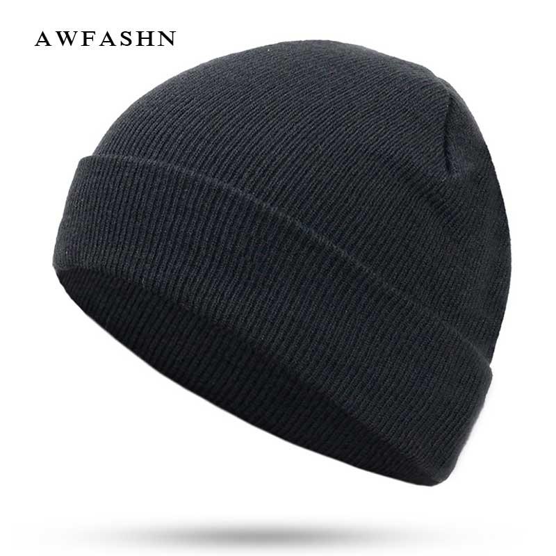 2018 nueva moda de Color sólido de punto gorros sombrero de invierno cálido  hombre mujer multicolor b578d700263e