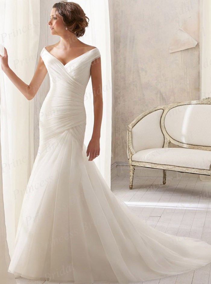 Free Shipping Fairytale Wholesale Price Bridal Gown Trumpet V Neck Pleat Sweep Train Simple Design font