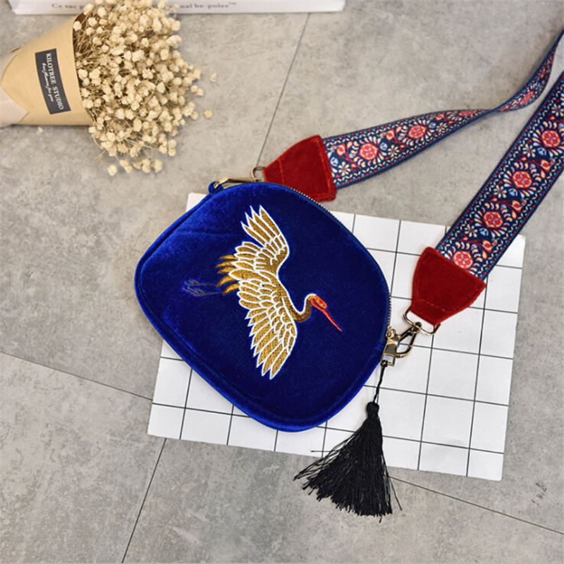 New Mini Velvet Embroidery Crane Shell Bag Wild Strap Fashion Shoulder Bags Designer Tassel Vintage Crossbody Messenger Bag