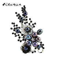 Aitunan Classic Flower Brooch Luxury Black Pearl Scarf Buckle Cape Clasp Natural Pearl Brooches Handmade Icons